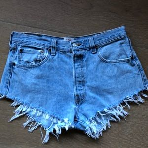 Vintage Levi's501 short shorts, 33